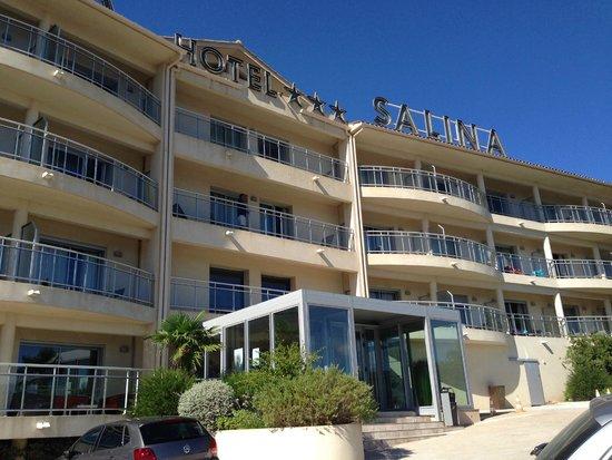 Hôtel Costa Salina : Vue avant de l'hôtel
