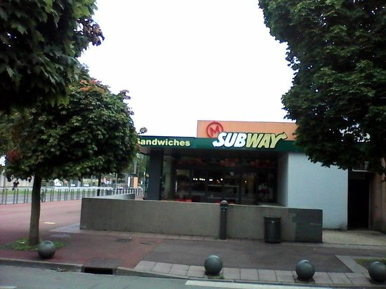Subway douai cinema majestic 600 boulevard de la republique restaurant avis num ro de - Cuisine 21 douai ...