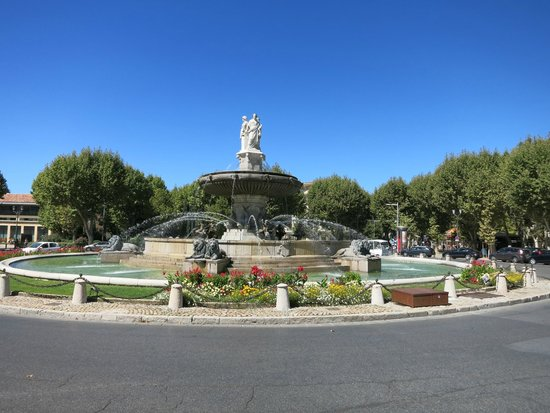 Tour Designer in Provence Private Tours: Aix-En-Provence - Largest Fountain