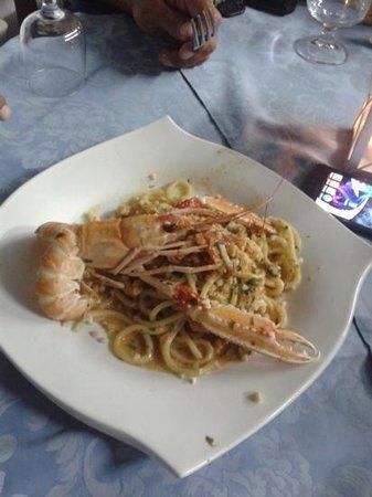 La Rotonda sul Mare: spaghetti con astice