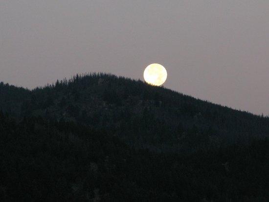 Fairmont Hot Springs Resort: Butte, Montana Morning Sept 9th /2014 Full Moon