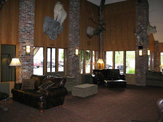 Fairmont Hot Springs Resort: Lobby