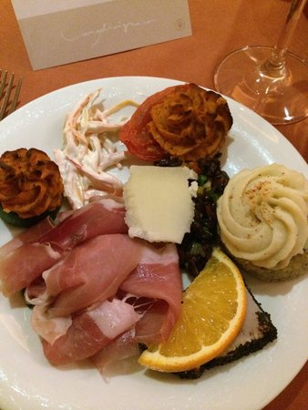 Lac Salin Spa & Mountain Resort: Antipasti a buffet