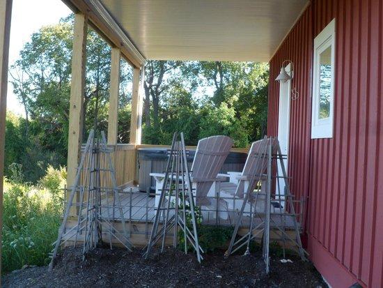 Mountain Horse Farm B&B and Wellness Retreat: Our deck