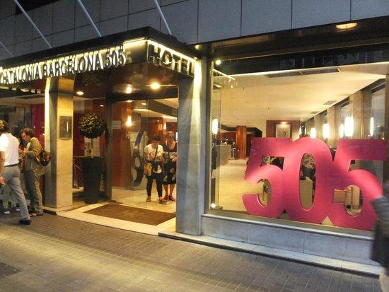 คาทาโลเนีย บาร์เซโลน่า 505 โฮเต็ล: Ingresso hotel