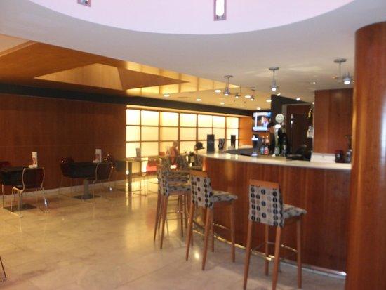 Hotel Catalonia Barcelona 505: Sala bar