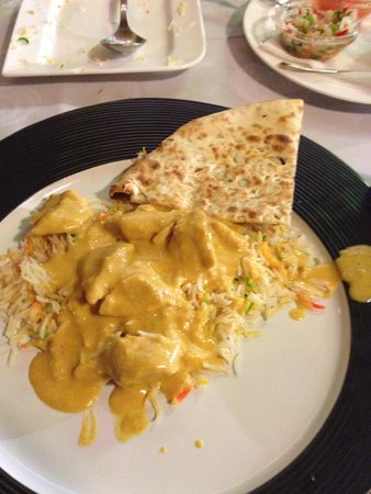 Restaurant Bombay Blue: Chicken Korma, Pilau Rice & Garlic Nann