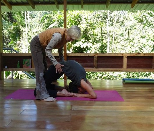 Casa Verde Raw Yoga Hiking Retreat: Personalized Attention