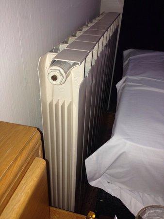 Ramada Birmingham Sutton Coldfield: Very noisy at night, next to a roaring radiator