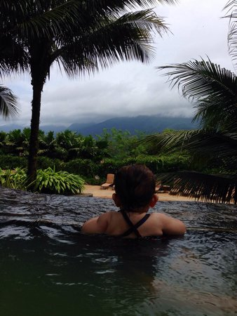 The Springs Resort and Spa: View of the clouded over volcano from one of the pools.