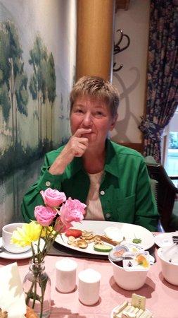 Roxford Lodge Hotel: Joy at Breakfast