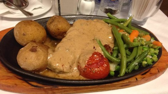 Montana: Sirlion Steak with Peppered Sauce & Canarian Potatoes