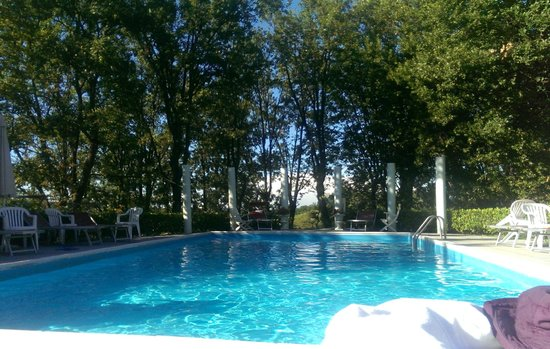 la jolie piscine - Picture of Park Hotel Fantoni, Tabiano ...