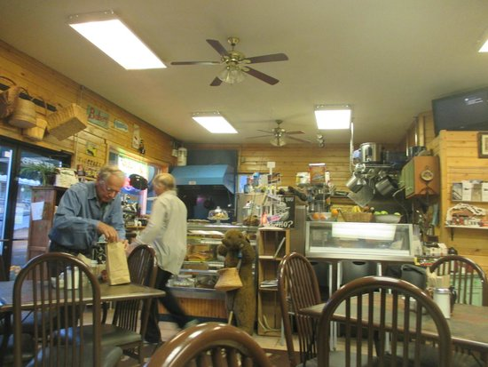 Bearclaw Bakery: table-view of inside