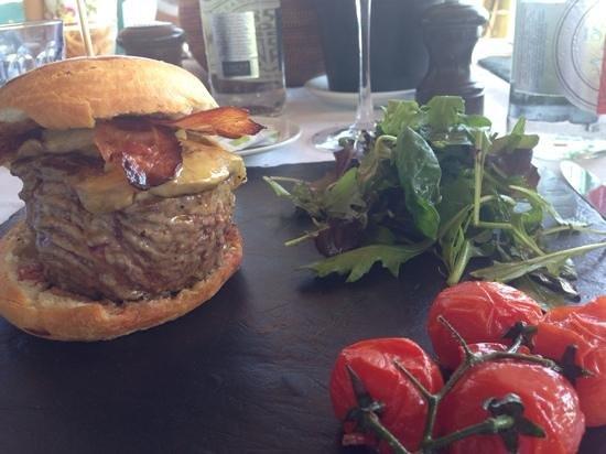 Anjuna Plage Privee - Restaurant : great burger