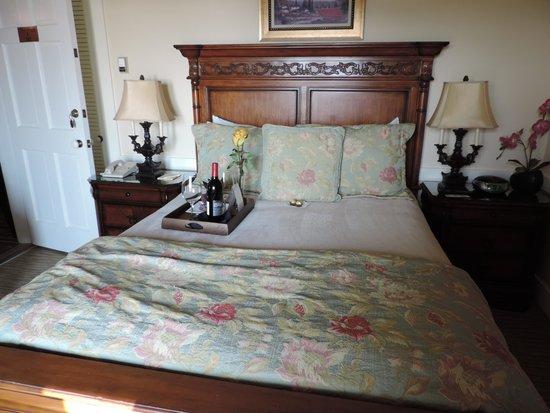 Henderson Park Inn: room 302 - mini