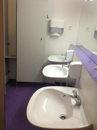 Hostel Tresor: Bathroom