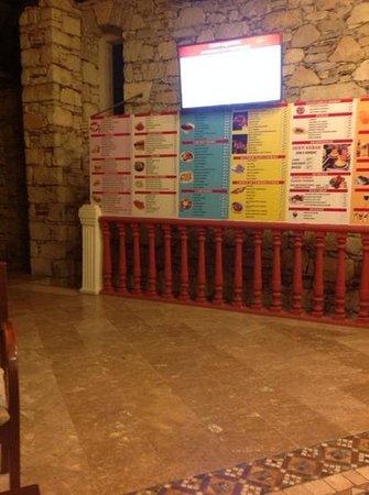 Grand Aquarium: the reception area!