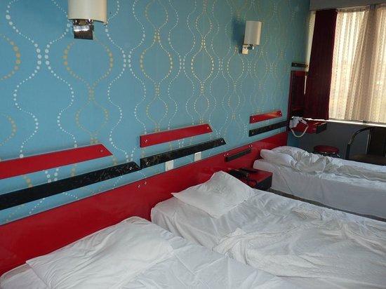 Hotel Otel Lider: Das Zimmer.