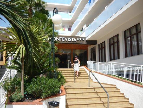 Evenia Montevista Hotel: Wejście do hotelu.