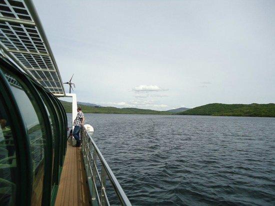 Parque Natural Lago de Sanabria: Visita de barco movido a energia solar