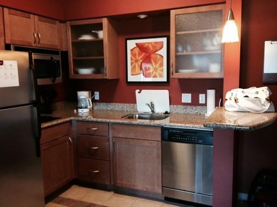 Residence Inn Sebring : kitchen