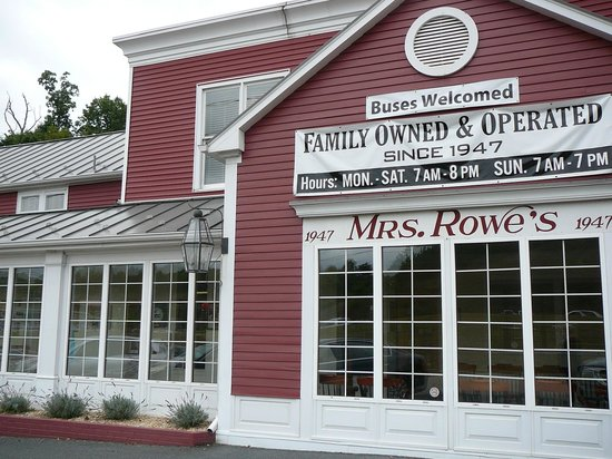 Mrs. Rowe's Restaurant and Bakery: The outside of restaurant