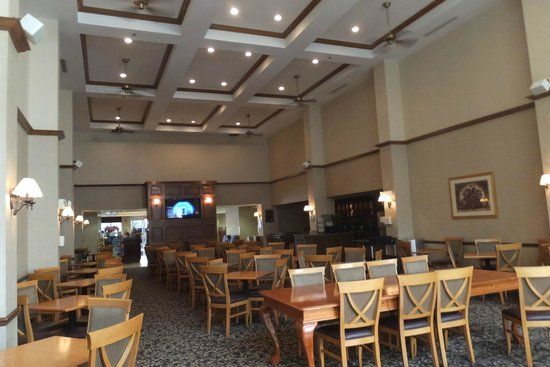 Homewood Suites Orlando-International Drive/Convention Center: Large dining area