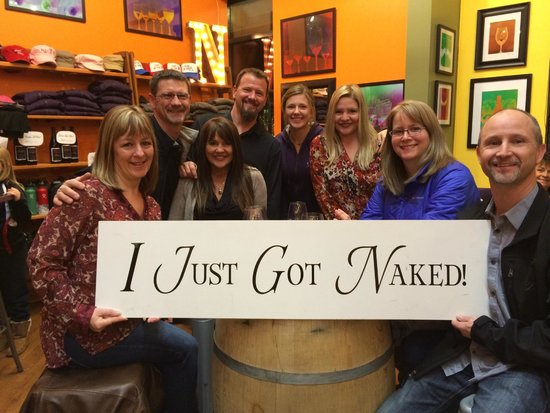 Hood River, Oregón: Getting Naked at our Bend location