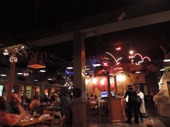 Red Fish Grill : Red Fish interior