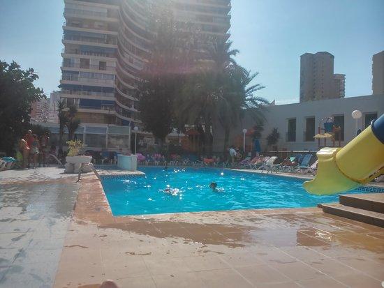 Hotel Magic Villa de Benidorm : piscina
