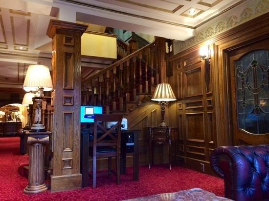 MEADOW COURT HOTEL LOUGHREA