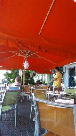 Oliver's Bistro: Outdoor Seating