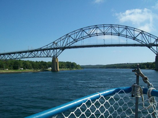 Cape Cod Canal: Bourne Bridge