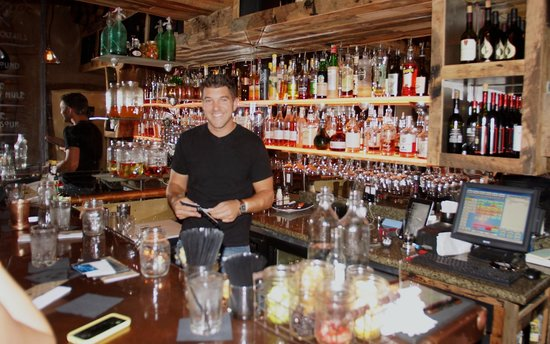 Hilton Boston Downtown / Faneuil Hall: Jeff - a super bartender