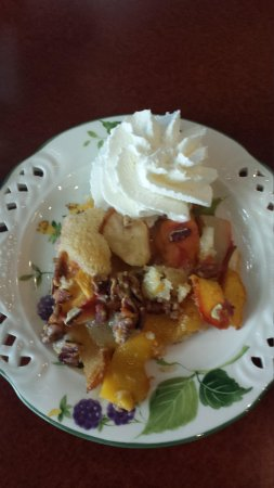 Sugar Mama's Cafe: Peach cobbler cake