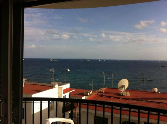 Hotel Cenit : Afternoon view