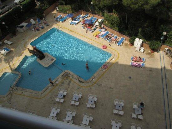 4R Playa Park: piscina
