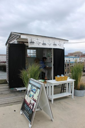 Maine Sailing Adventures: This is the shack where you pay!
