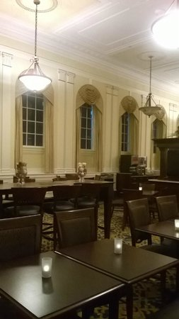 Hampton Inn & Suites Providence Downtown: hall, sala colazione