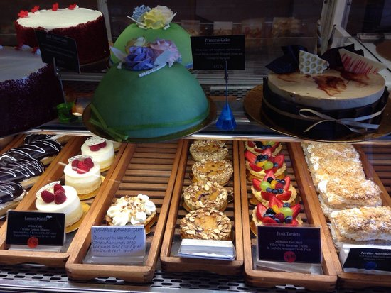 La Patisserie: Cakes for any occasion...