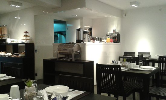 Mercure Montevideo Punta Carretas: local do cafe da manha