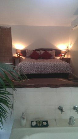 Hunchy Hideaway: very comfy bed