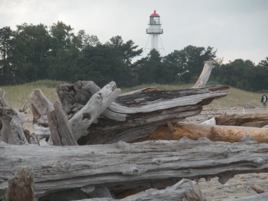 USCG Crews Quarters Accommodation : Lighthouse from the beach