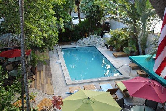 Key West Harbor Inn: Pool view