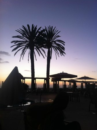 Grand Pacific Palisades Resort and Hotel : Great sunsets at night