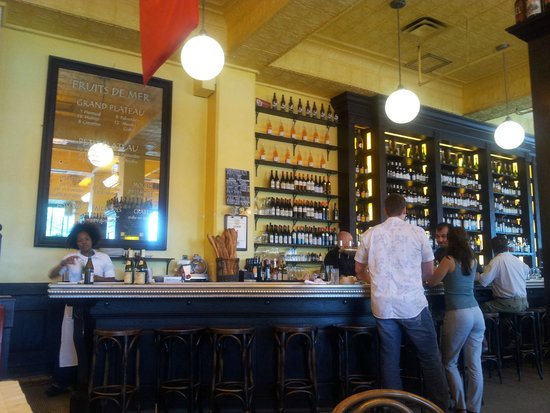 Can Can Brasserie : Inside