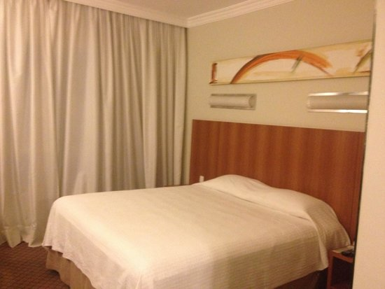 Bourbon Joinville Business Hotel: Quarto 1104