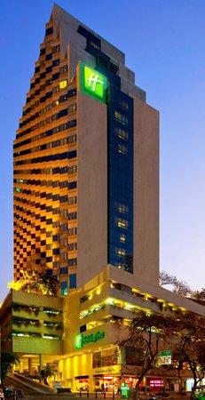 Holiday Inn Bangkok Silom Exterior