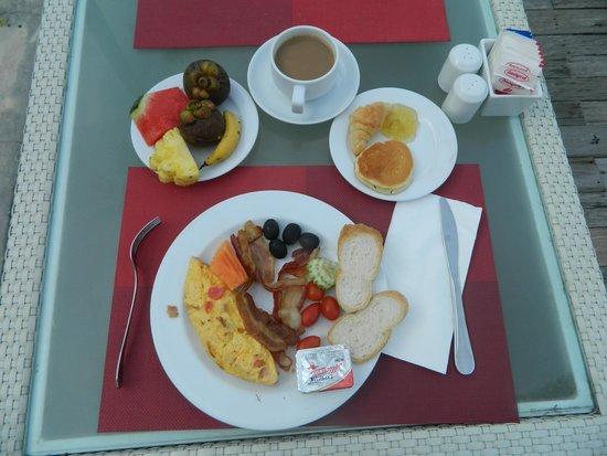 Ramada Phuket Southsea: завтрак